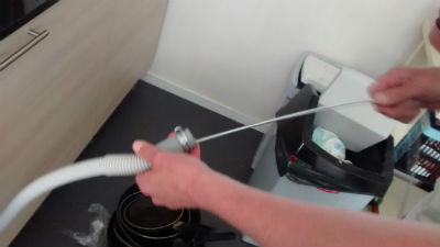 springveer-afvoer-vaatwasser-ontstoppen1